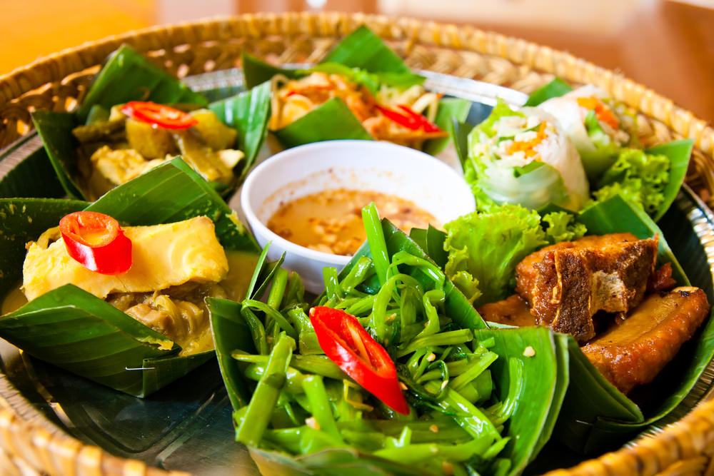 How to eat tasty in asia famous restaurants in cambodia for A taste of cambodian cuisine